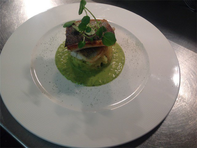 seabass with leek lemon and dill sauce